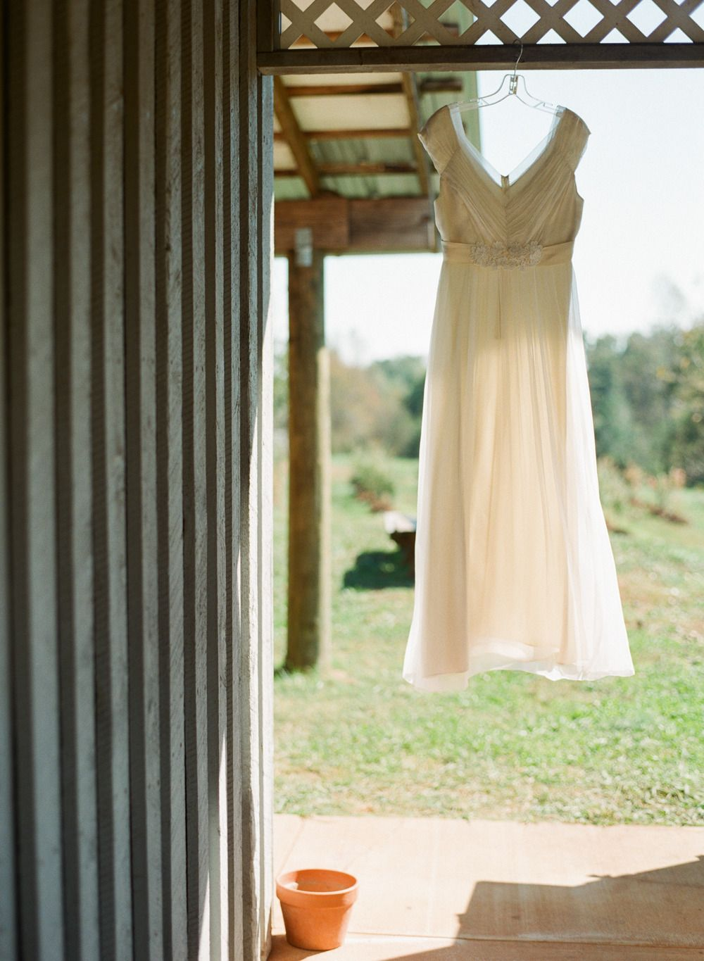Simple and colorful farm wedding in greenville farming country