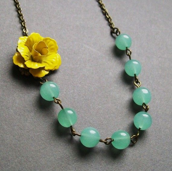 necklace - different colors, but I like the idea