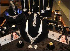 ELVIS JEWELRY: assortment of his jewelry