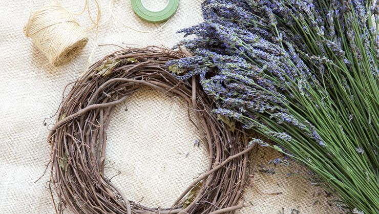 How To Make A Lavender Wreath | Rodale's Organic Life