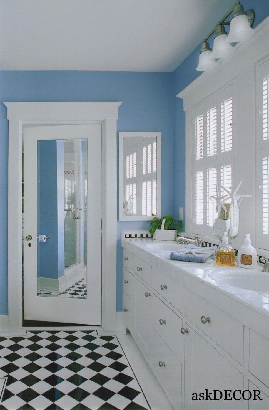 Top 17 Colorful Kids Bathroom Design Ideas : Adorable Light Blue ...