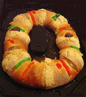 Ten Intriguing Mexican Traditions To Help Bring In The New Year Mexican Sweet Breads Food Mexican Food Recipes