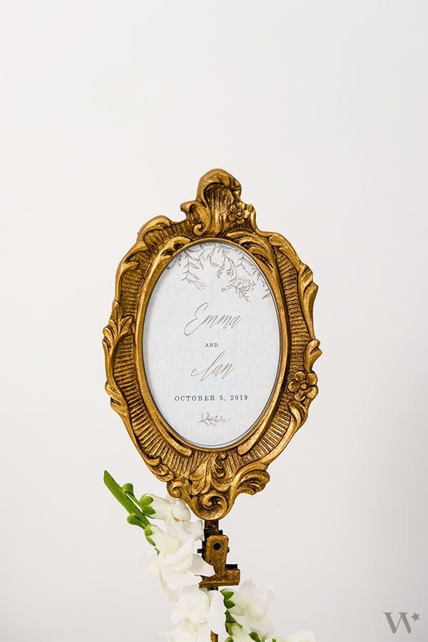 Oval Baroque Standing Frame - Gold | Wedding Table Decorations ...