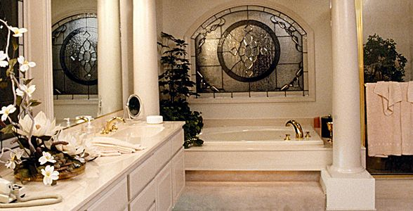 Exceptionnel Roman Inspired Bathroom   LOVE!
