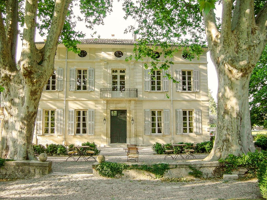 Luxury bed and breakfast vallon provence prestige b for Provence homes
