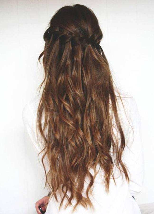 Coiffure cheveux longs avec couronne de tresses en 2020