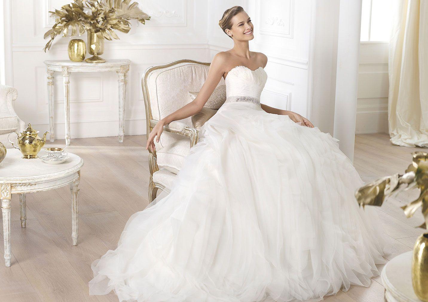 wedding dress LEINA Wedding dress with feather trim on bust Pronovias Pronovias