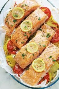 Pavés de saumon sur lit de pommes de terre fondantes au four #kartoffelnofen