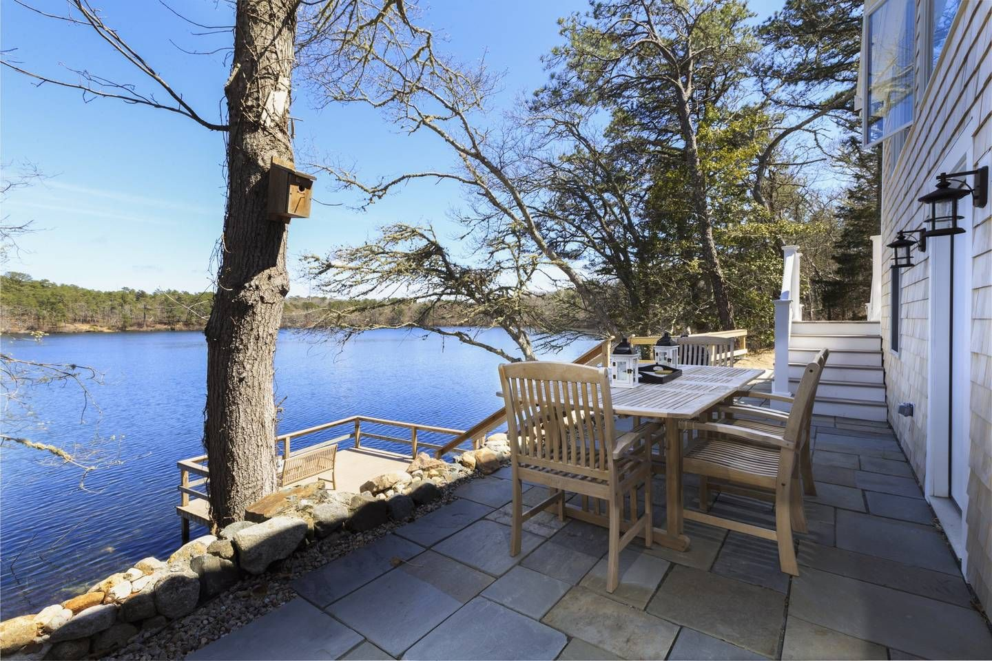 **STUNNING WATERFRONT** Pet Friendly 3BDRM/2BTH Houses