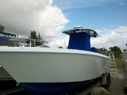 Contender 35ST 35' Beautiful!  Twin gas engine, very well taken care of.  Must see to appreciate!  $209,900