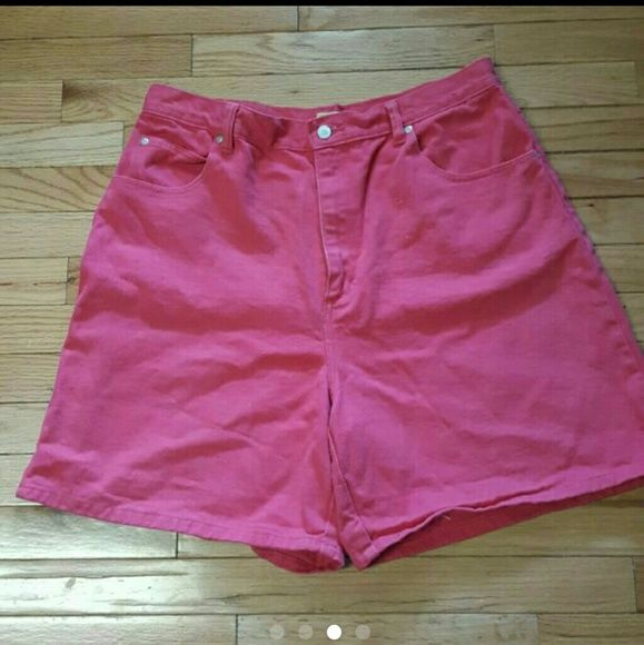 Pink size 18 shorts 100% cotton. Pink button and zip fly size 18. Slight wear which I tried to show with picture but still in great condition. Shorts Jean Shorts