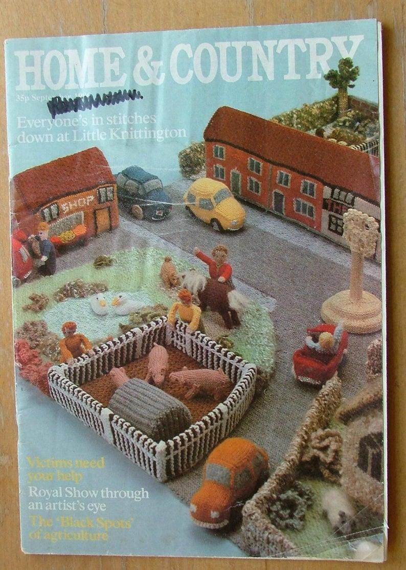 "/""LITTLE KNITTINGTON/"" by Georgina Manvell Village Toy Knitting Pattern"