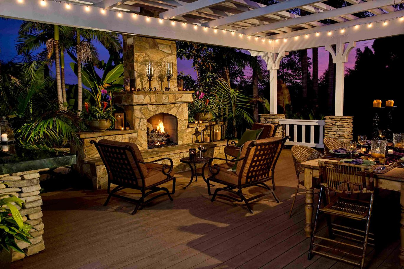 Small Back Deck With Pergola