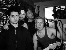 wtf for tre and mike. billie looks the most sane out of them 3