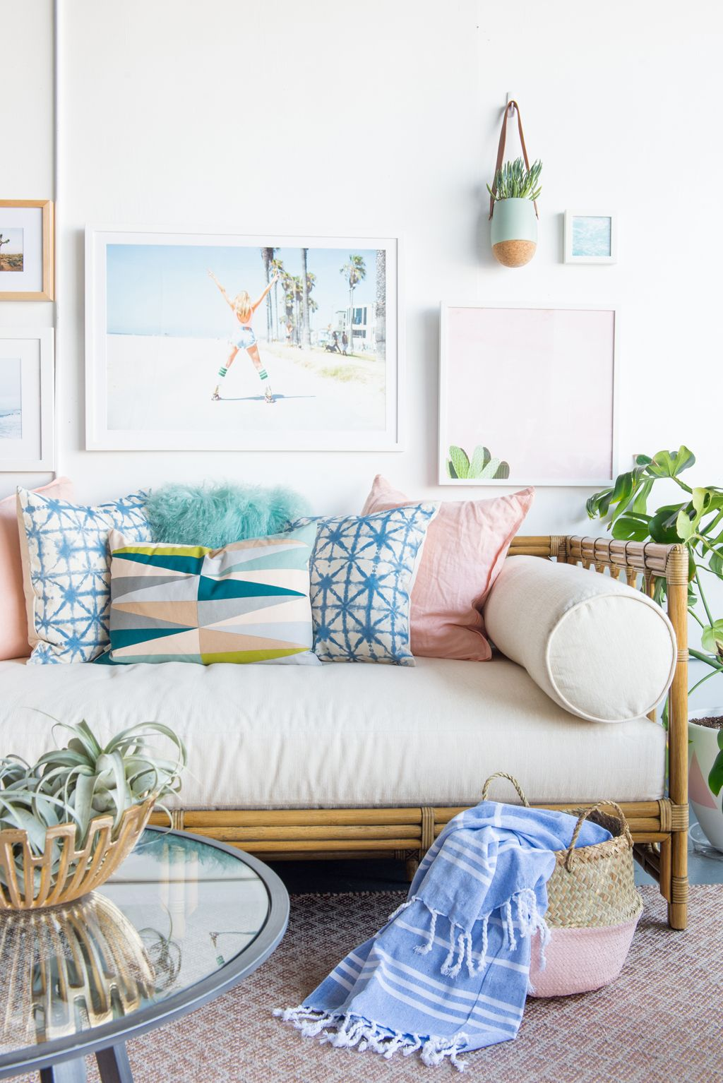 Living Room Inspirations A Pile Of Pillows Helps The