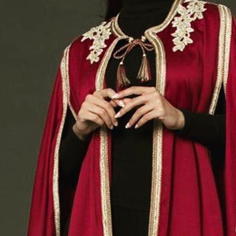 المقاس يمكن تفصيله بكل المقاسات مع إمكانية تغيير اللون والمقاس للطلب التواصل 00212651487262 Abaya Louboutin دبي Kimono Top Fashion Tops