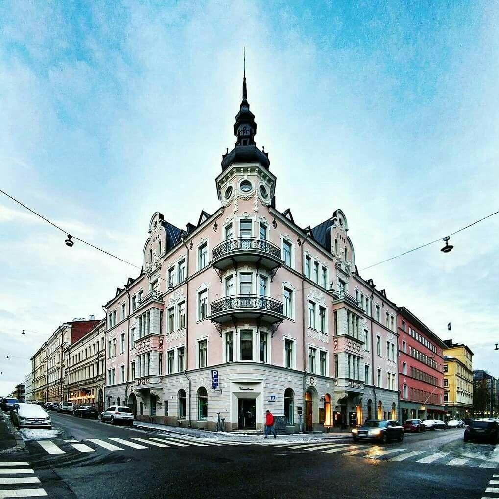 Kuusilinna Annan- ja Kalevankadun kulmalla Helsingissä. Kuva Toni Kaarttinen @funktoni.