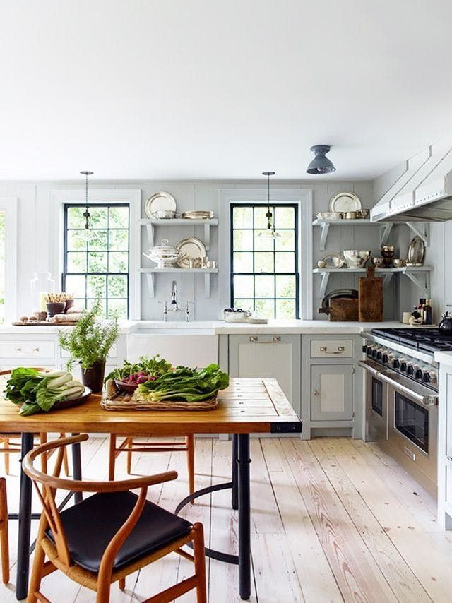 Cozy Cottage Kitchens That Surround You Like a Warm ...