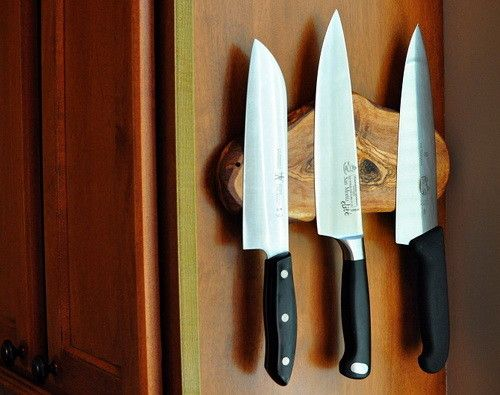 Magnetic kitchen strip knives