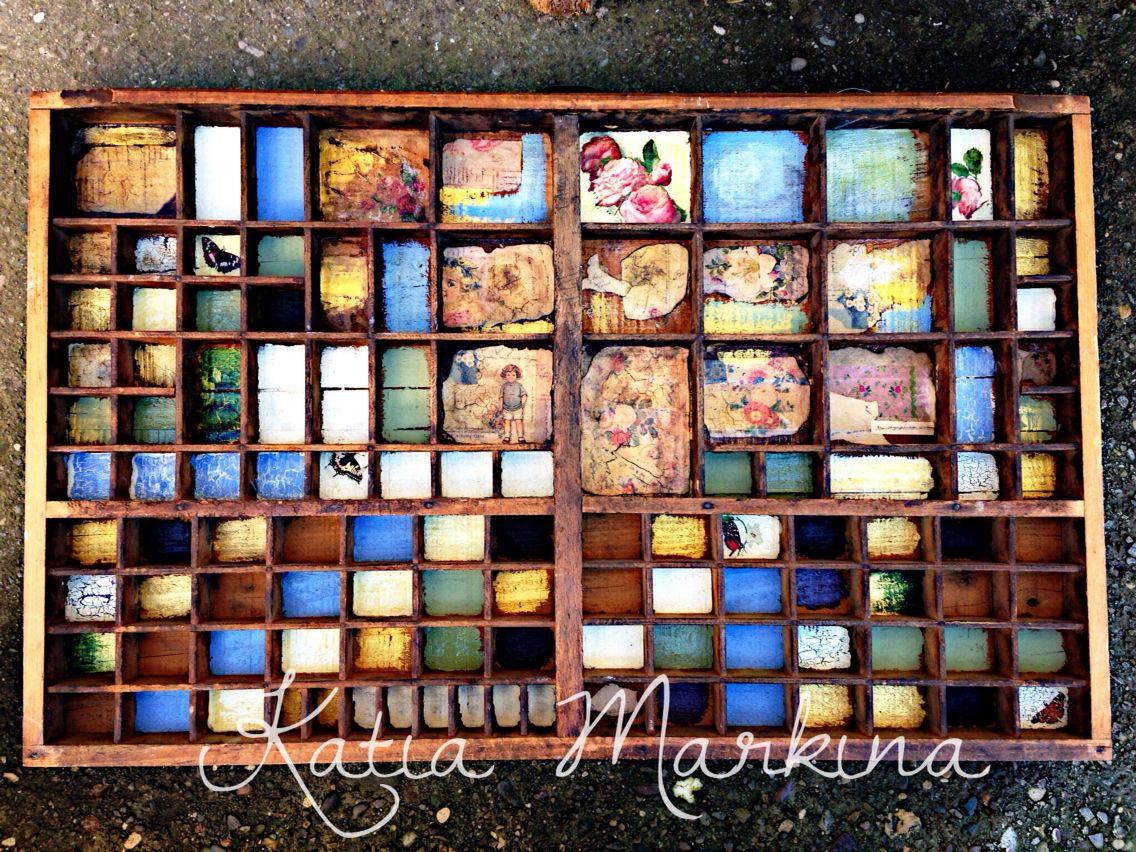 Est en venta vitrina para dedales peque os objetos de for Muebles ezcaray