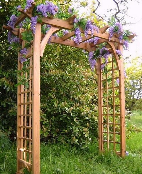 15 Beautiful Wooden Arches Creating Romantic Garden Design With