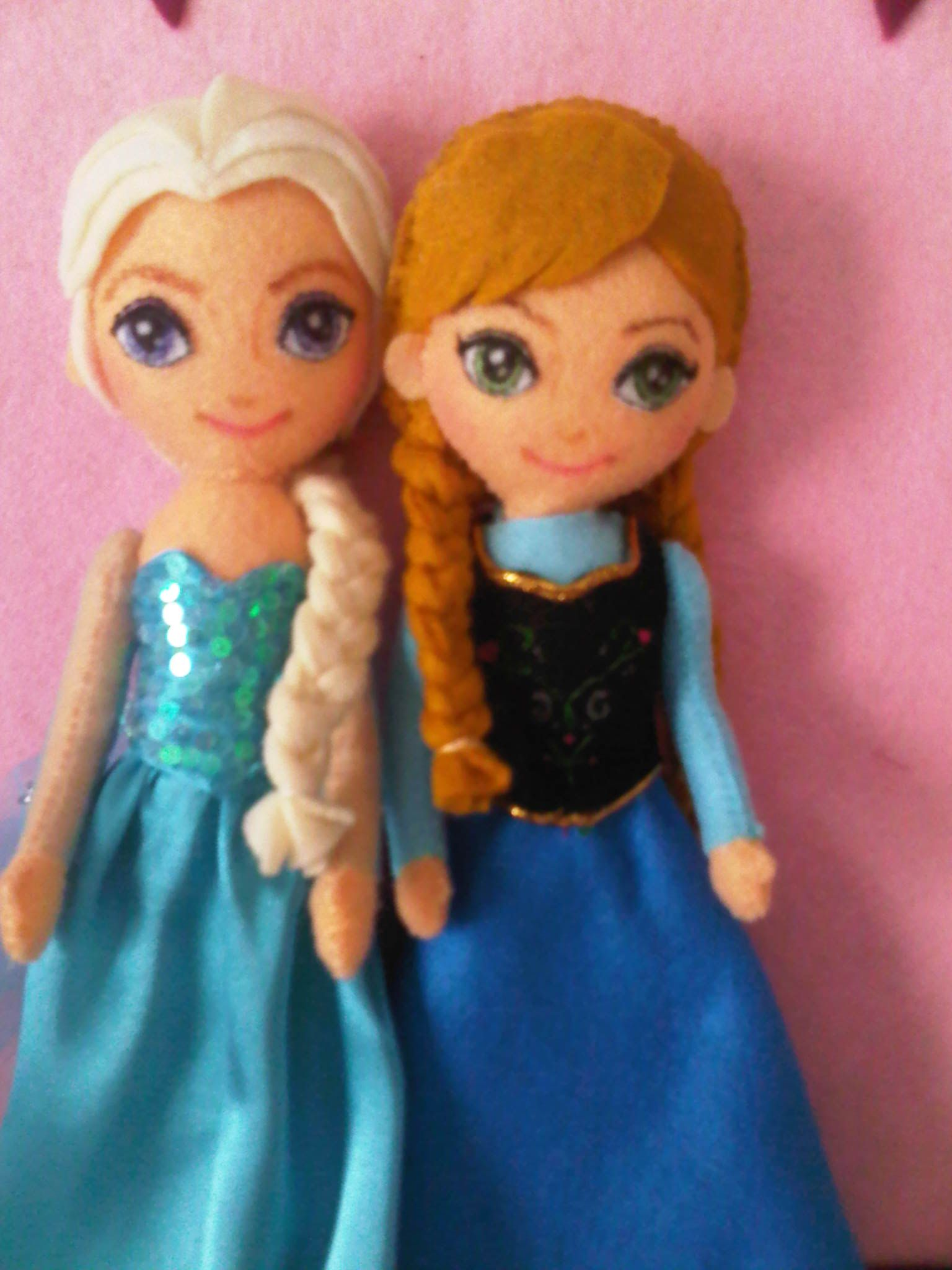 Elsa and Anna felt dolls | Frozen | Pinterest | Die eiskönigin ...