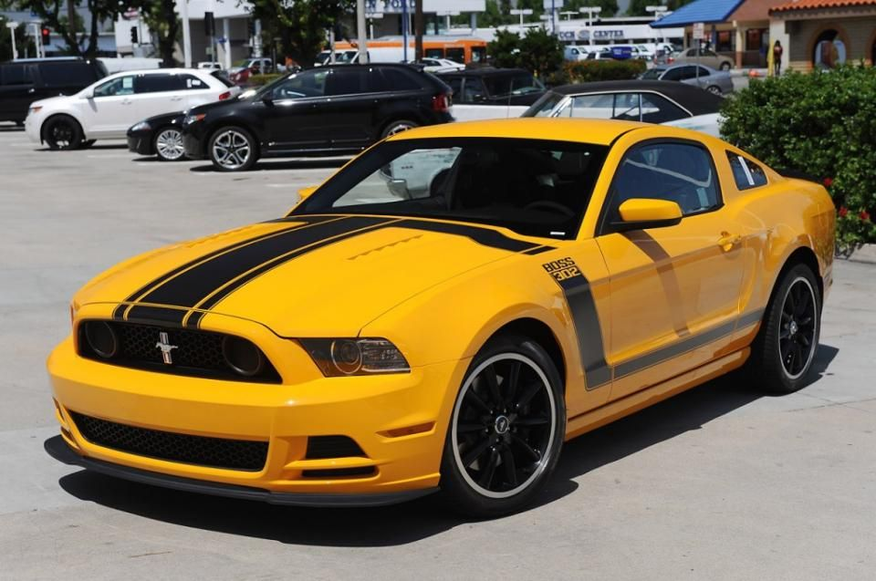Ford Mustang schoolbus yellow