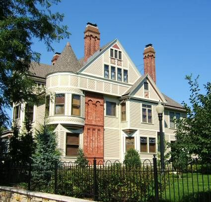 Victorian Home In La Crosse Wi Butter Cream Color Seems Appropriate Can T Even Imagine How Victorian Homes Victorian Cottage Architecture Details