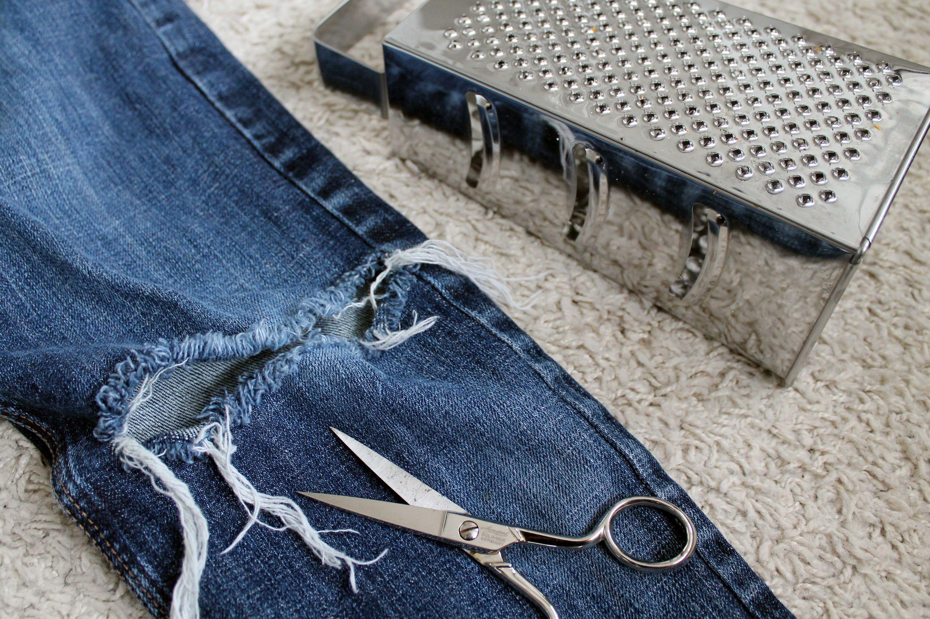 Destroyed Jeans DIY