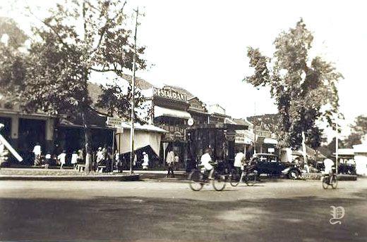 Pemandangan Jalan Di Kota Bogor Jawa Barat 1933 Kota Bogor Indonesia Pemandangan