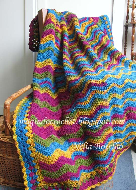 Blanket crochet stitch in zigzag or ripple | Crochet Afghans ...