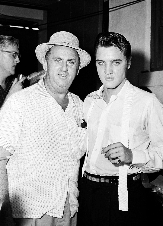 Elvis And Colonel Tom Parker In Florida August 1956 Elvis Presley Young Elvis Elvis Presley Photos