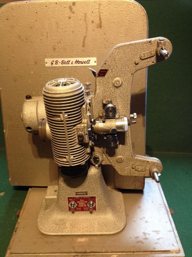 Vintage GB Bell & Howell 8mm projector Model 606 H In it s
