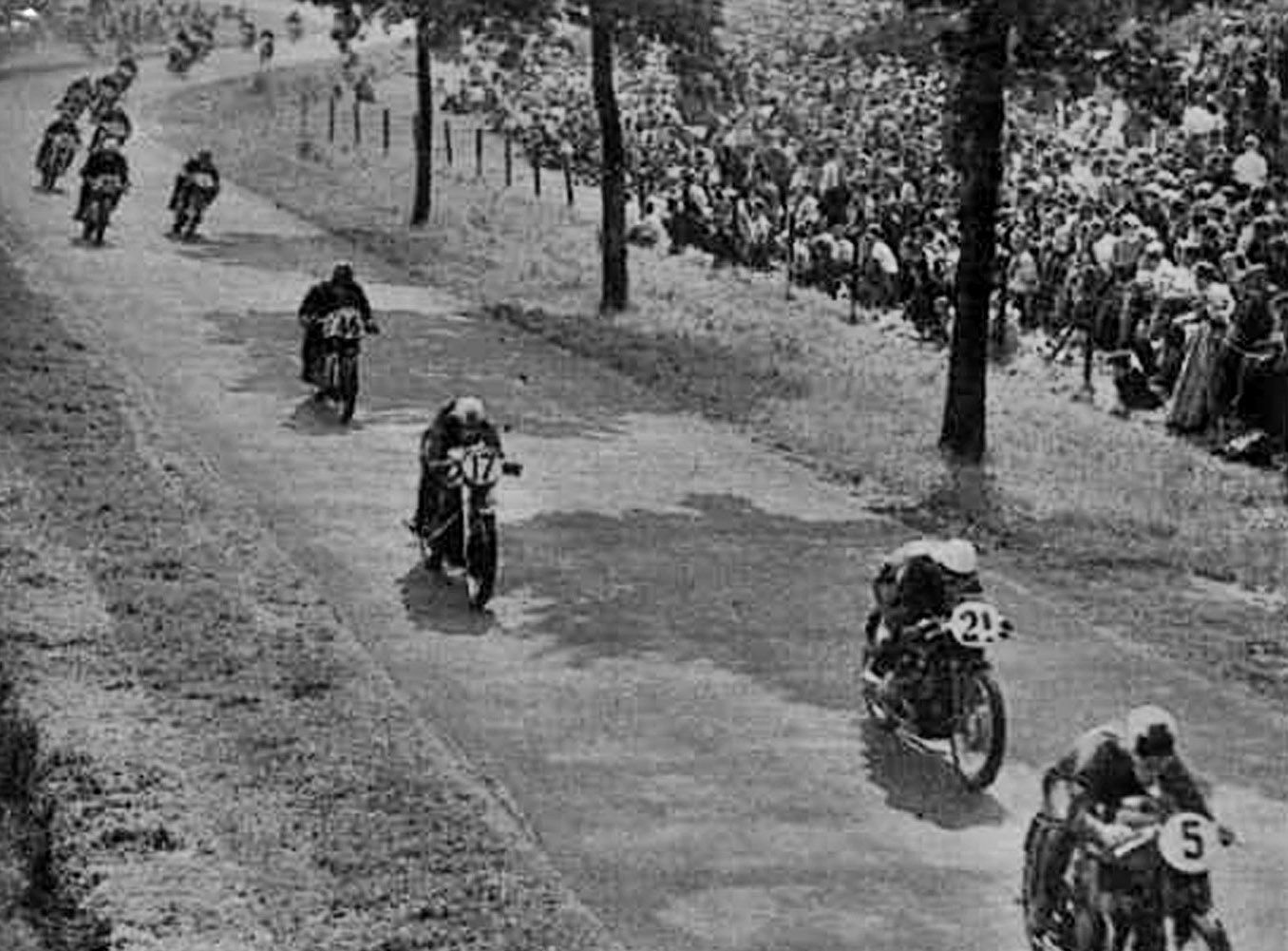 500cc Dutch TT at Assen ...I'm guessing this is from the 1930's