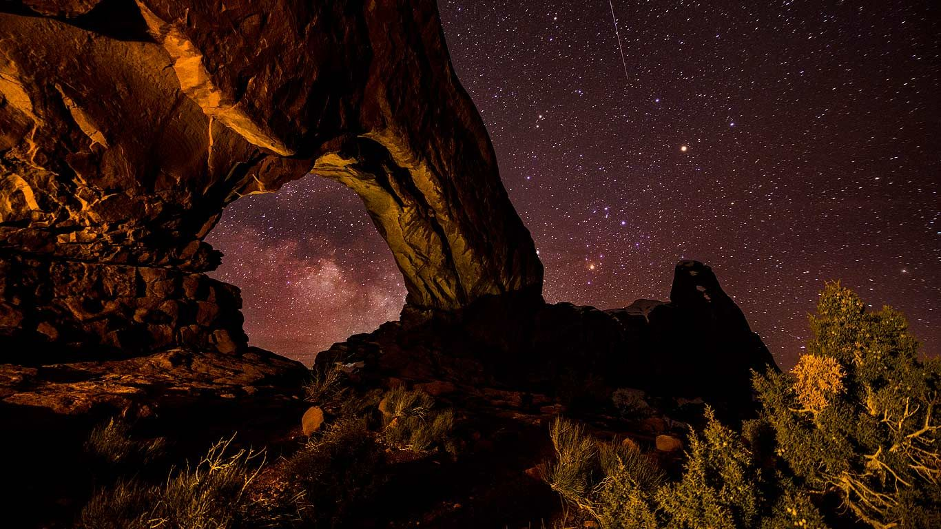 Explore And Share Arches National Park Wallpaper Window