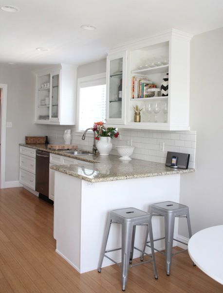 Best The Cabinet Color Is Benjamin Moore's Simply White And The 640 x 480