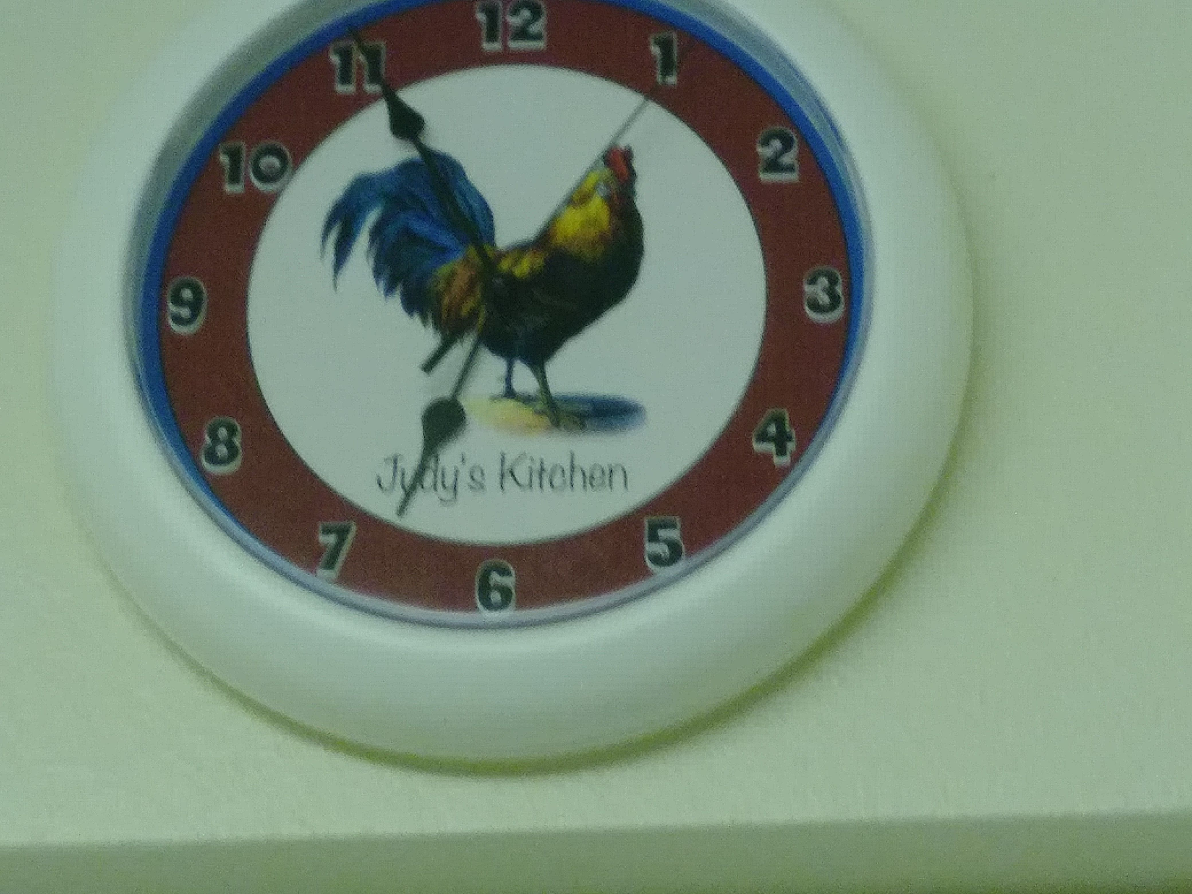 Pin by JUDY MOORE on MY CHICKEN/ROOSTER COLLECTION | Pinterest | Clocks