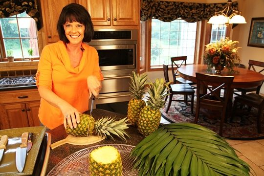 making the pineapple palm tree food ideas pinterest. Black Bedroom Furniture Sets. Home Design Ideas