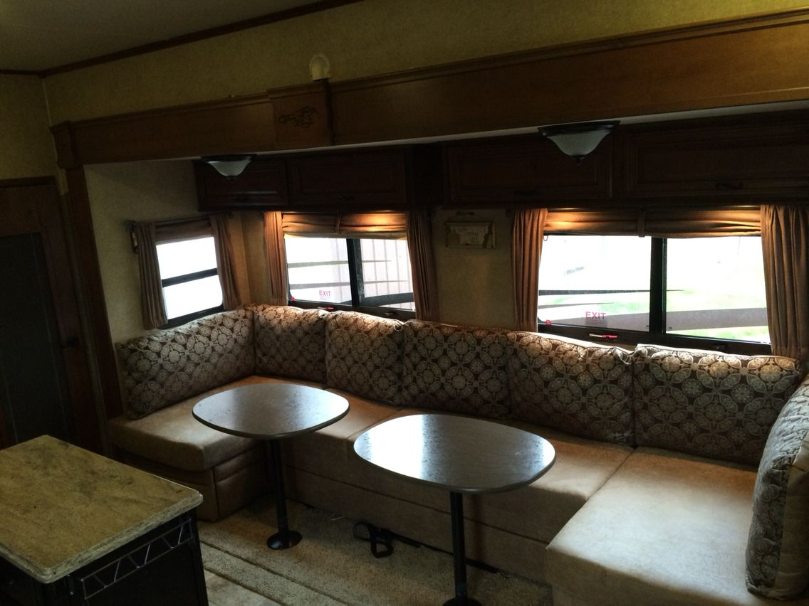 I Replaced The Dining Table And Sofa Bed With This U Lounge Sectional Swed From Another Rv