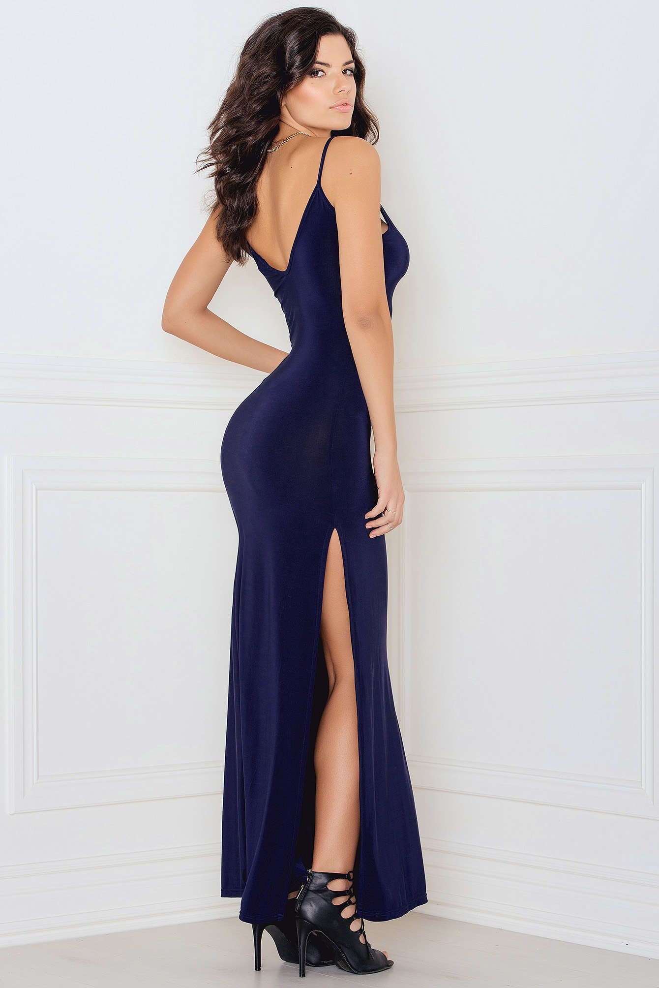bed30d8368cc All you maxi-dress freaks