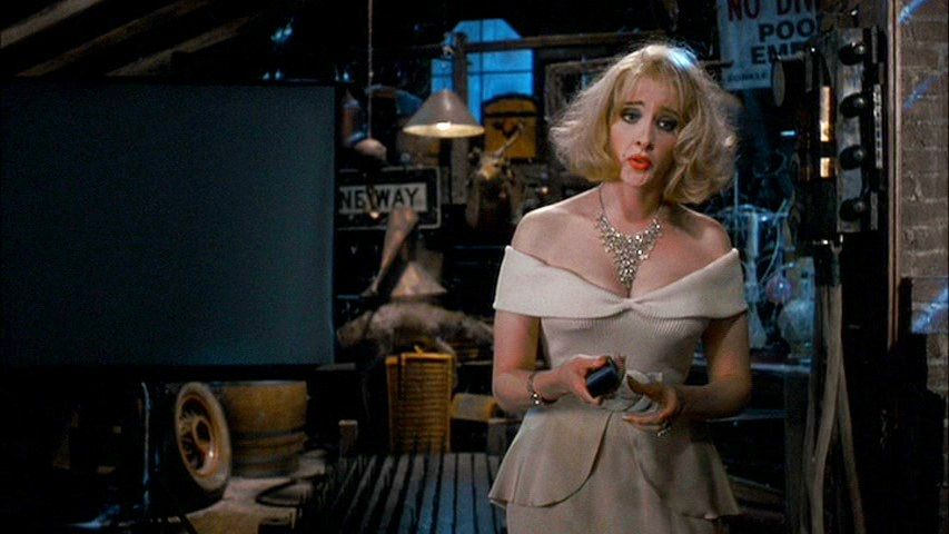Movie and TV Cast Screencaps: Addams Family Values (1993 ...