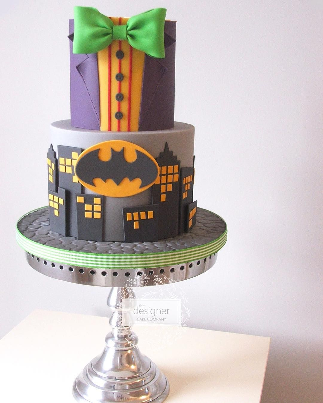 Batman themed birthday cake designercakeco designercakecompany
