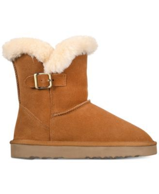 does macy's sell uggs