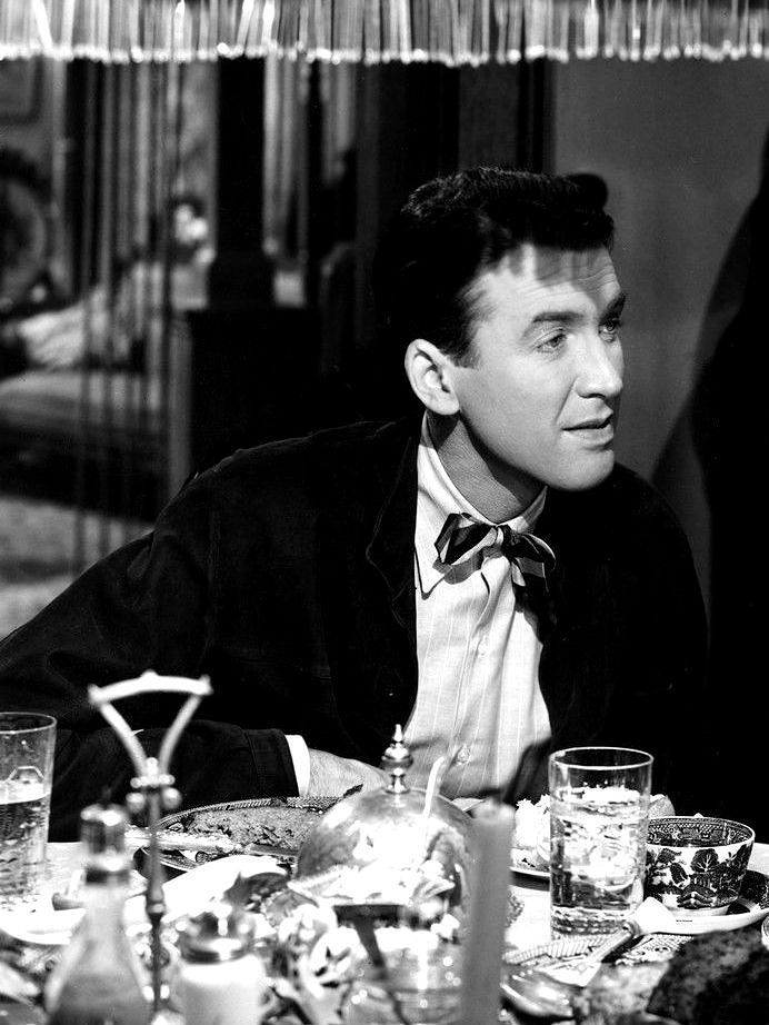 """Jimmy Stewart in """"It\'s a Wonderful Life"""" (1946) talking to his ..."""
