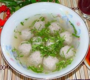 Vietnamese Beef Meetballs - Bo Vien, good addition to homemade pho