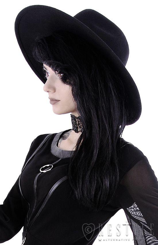 82524320e83 Wide-brim witch hat