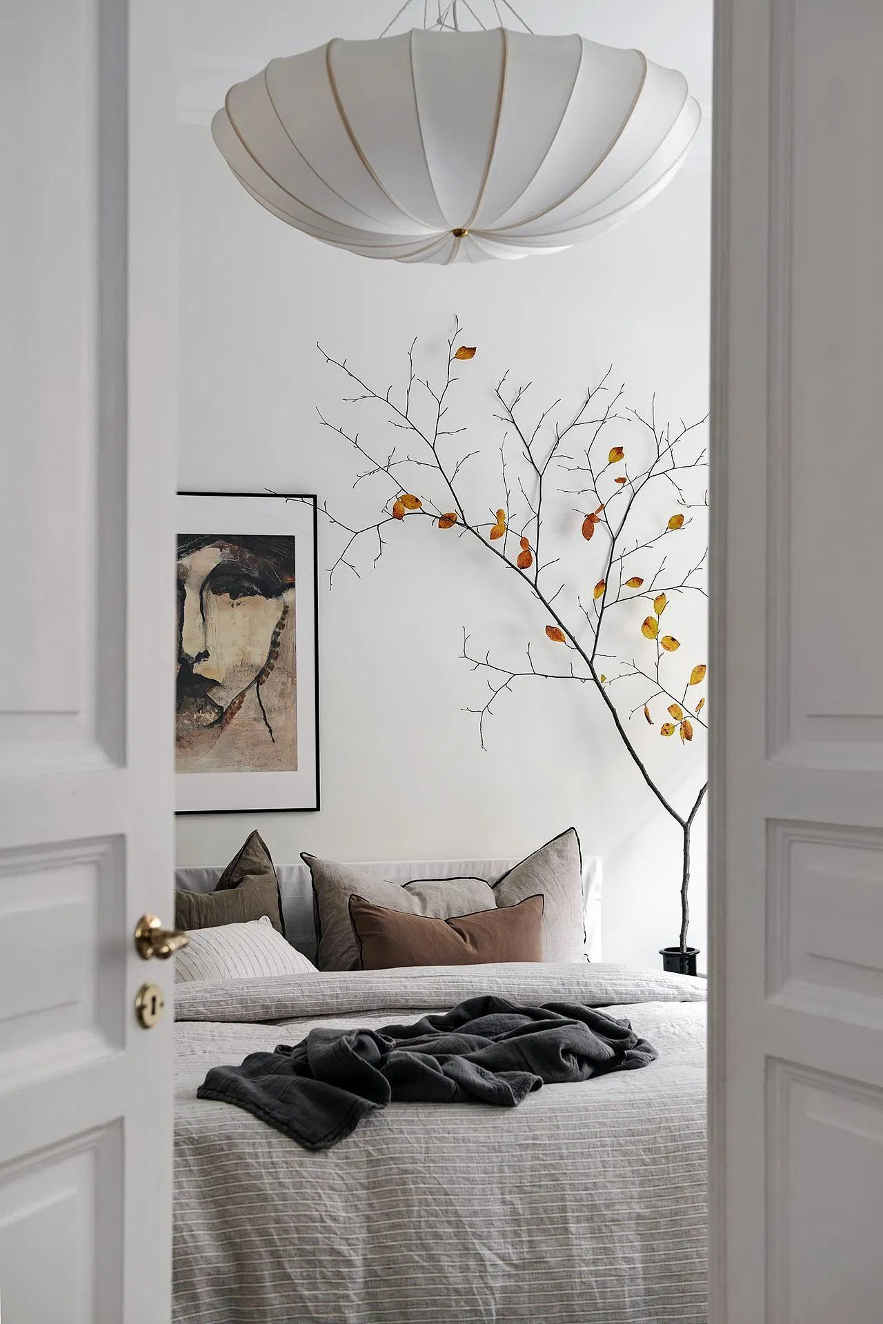 Bright Bedroom With Warm Accents Coco Lapine Design Brighter Bedroom Bedroom Interior Home Decor