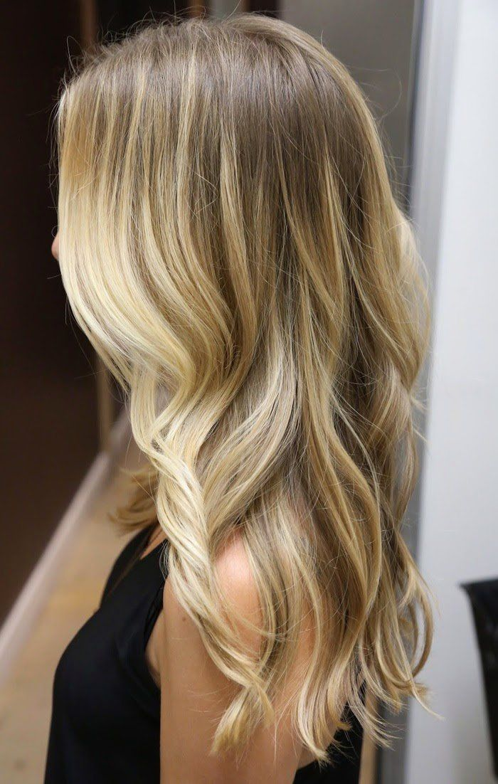 Best Long Wavy Fall Hair Ideas With Dark Blonde Hair Color With