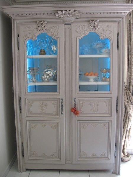 Armoire peinte relook e armoire peindre pinterest armoire peinte relooker et armoires for Peindre une armoire