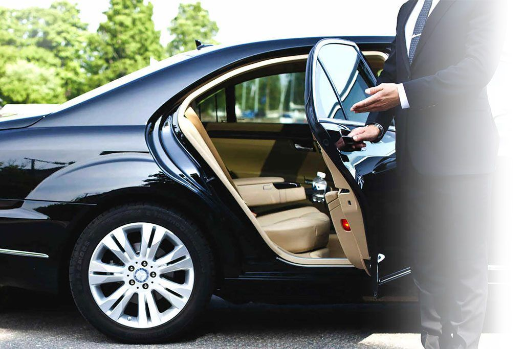 Limo Transfers Sydney Airport With Images Chauffeur Service Chauffeur Melbourne Airport
